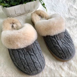 UGGS gray cable knit gray sweater slippers 11